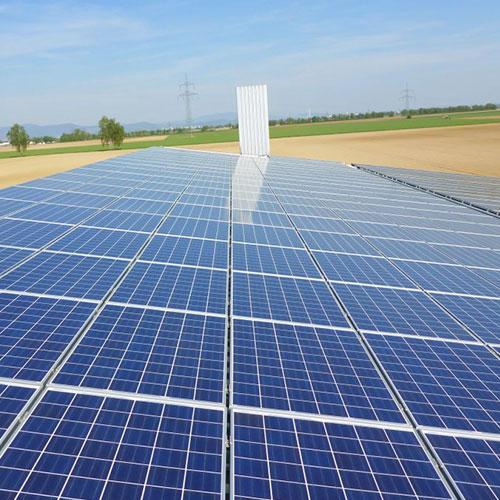 Bei verschmutzten PV Modulen lohnt sich eine Photovoltaikreinigung auch unabhängig von Ertragsverlusten