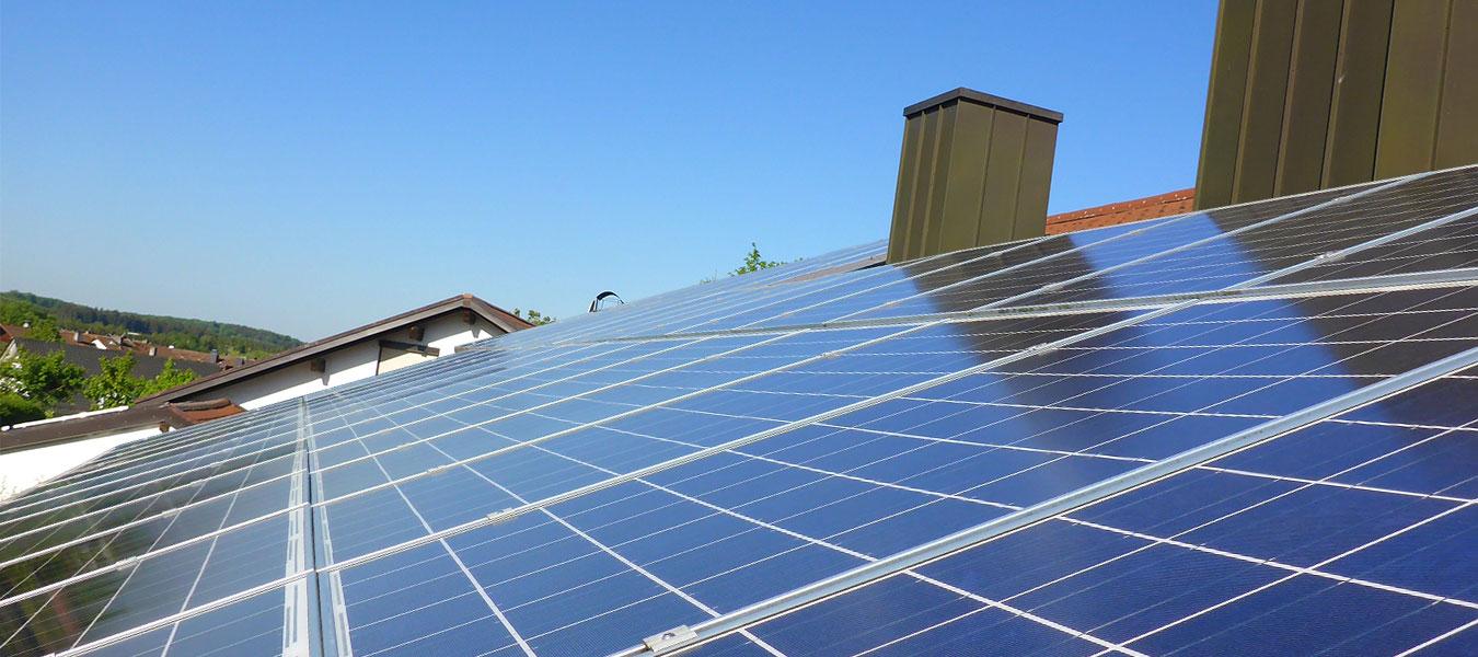 nachhaltig gereinigte Photovoltaikanlage der Ökologischen Solarreinigung